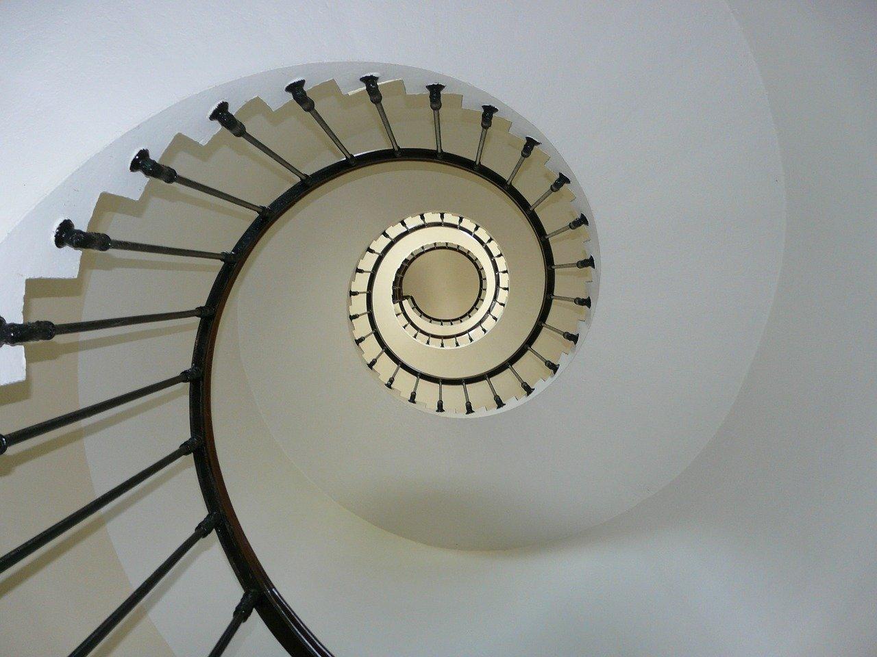 Eleganckie i stylowe schody kręcone