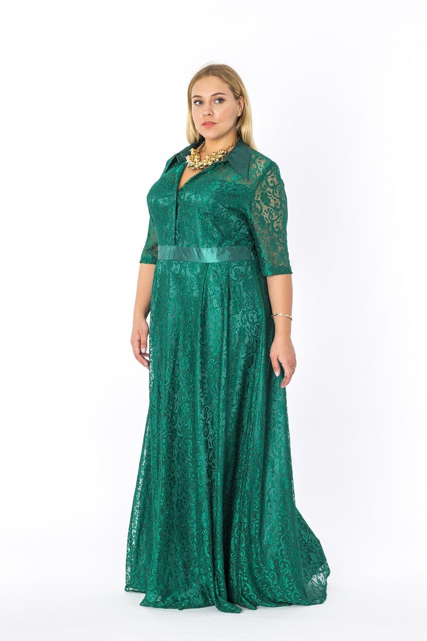 Gdzie kupić tanią sukienkę maxi dla puszystej