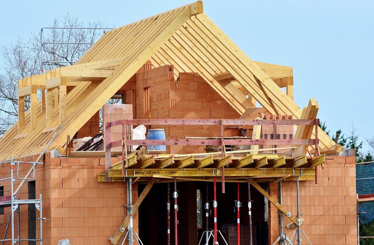 Deskowania stropowe – do czego są wykorzystywane?