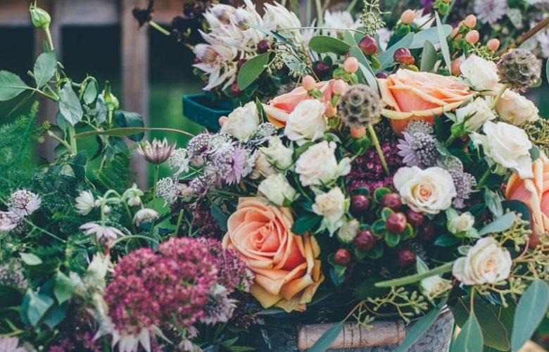 Kwiatowa niespodzianka – zamów bukiet z dostawą do solenizanta!