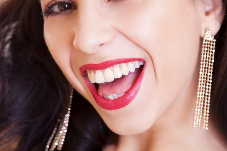Jak właściwie zadbać o stan naszych zębów